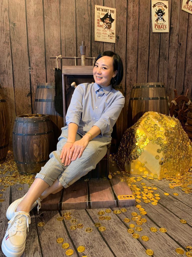 Ms Eva Lau LNL
